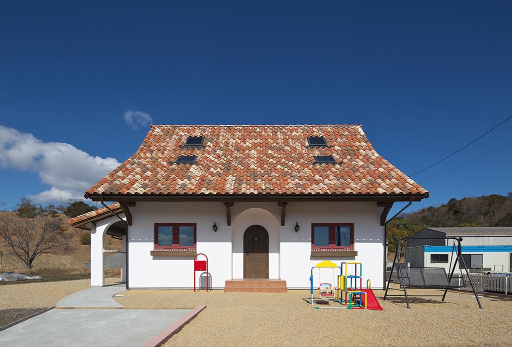 南フランスの片田舎に建っているような建物